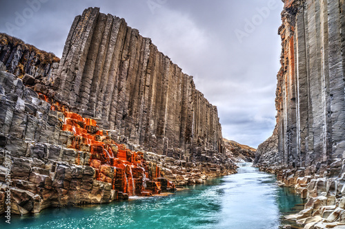Photo Stands Cappuccino Studlagil basalt canyon, Iceland