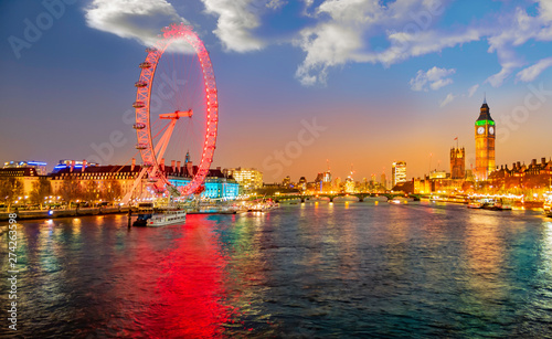 Fototapeta Urban skyline of London with the famous landmarks among the river Thames, London
