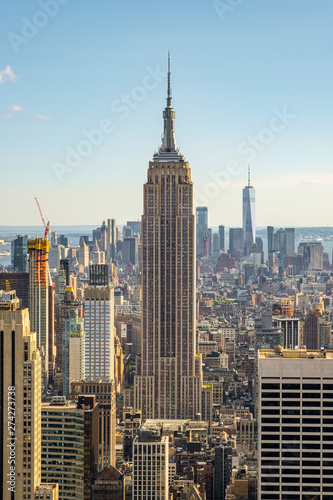 Photo  Empire State Building and downtown skyscrapers of New York cityscape view from r