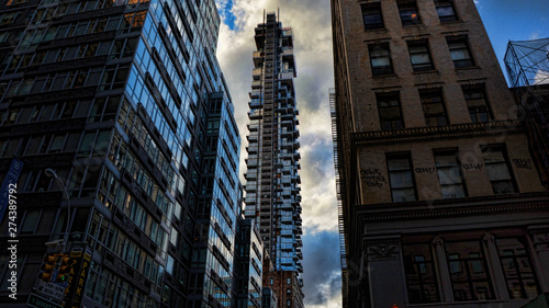 Photo  the Jenga is a skyscraper on Leonard Street in Tribeca, new york