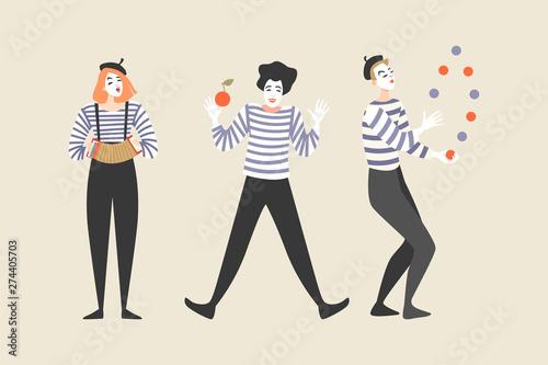 Fotografie, Tablou  Three mimes juggle and play the harmonica