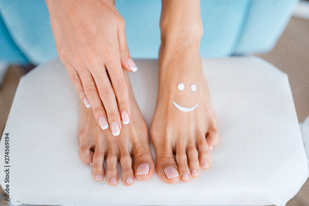 Fototapety, obrazy: Female client, perfectly made nails in beauty shop