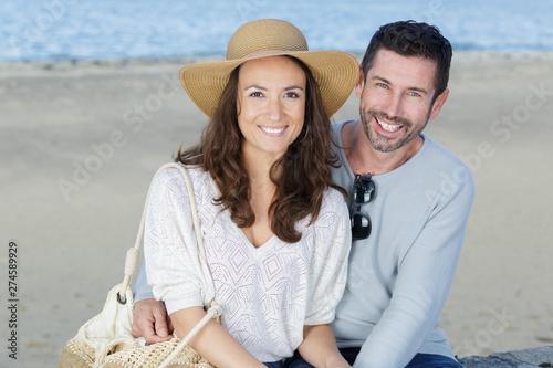 Foto auf Gartenposter Lineale Wachstum couple on the sea