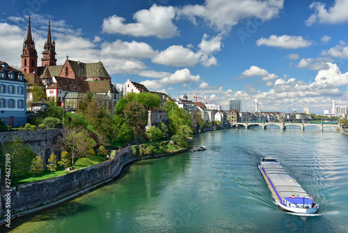 Fotografia  Old town Grossbasel with Basler Muenster Cathedral on the banks of the Rhine river