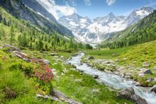 Berglandschaft Mit Wildbach Un...