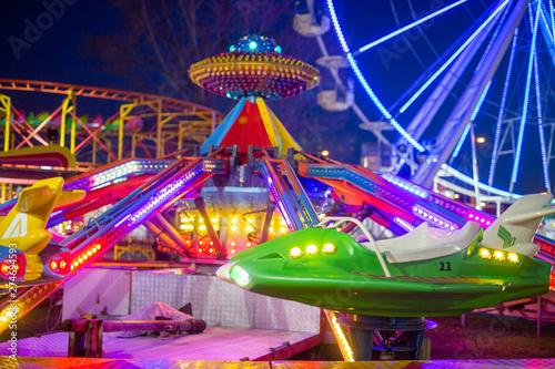 Foto auf Gartenposter Vergnugungspark Amusement park in the night
