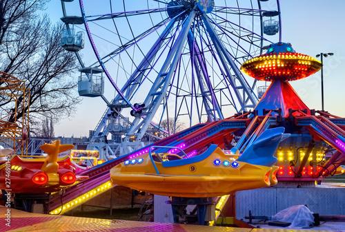 Billede på lærred Amusement park in the night
