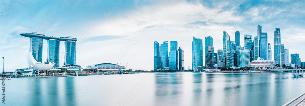 Fototapety, obrazy: SINGAPORE, SINGAPORE - MARCH 2019: Vibrant panorama background of Singapore skyline at the business bay