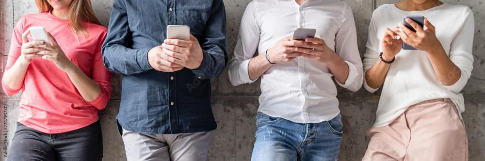 Fototapety, obrazy: People using smart phones.