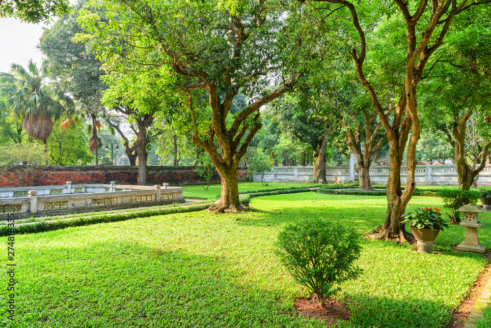 Fototapety, obrazy: Scenic traditional Vietnamese garden at the Temple of Literature