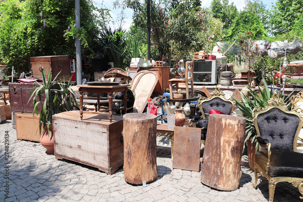 Fototapety, obrazy: Vintage objects at the flea market outdoor