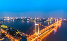 Island Yangtze River Bridge. Located In Wuhan, The Largest City In Central China. The Yangtze River Is The Longest River In China. Modern Traffic Background.