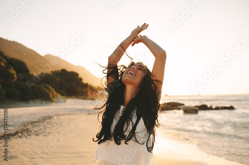 Photographie Woman having a great time on her vacation
