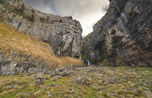 Gordale Scar, Limeston Cliffs Near Malham Cove In The Yorkshire Dales, England.