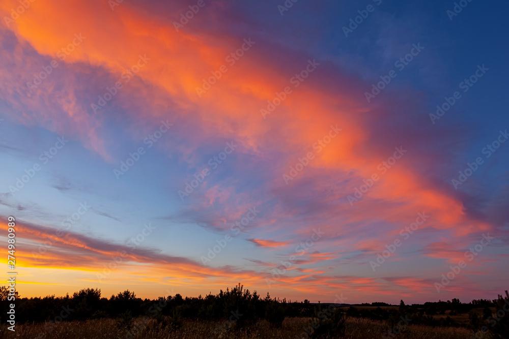 Fototapety, obrazy: Piękny zachód słońca nad jeziorem Kalwa na Mazurach w Polsce.