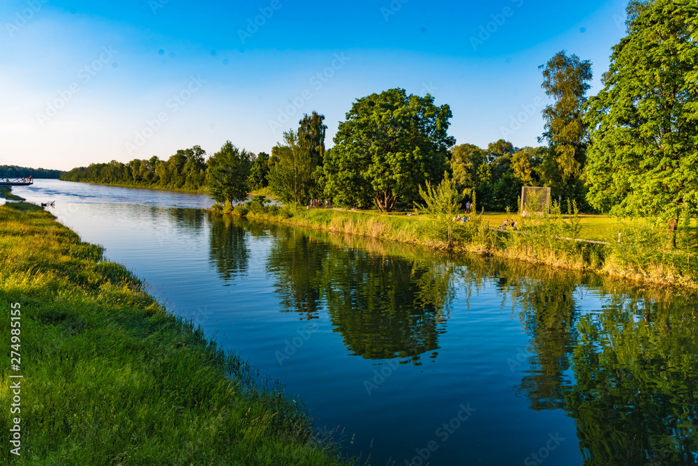 Fototapety, obrazy: Mangfallkanal am Innspitz in Rosenheim
