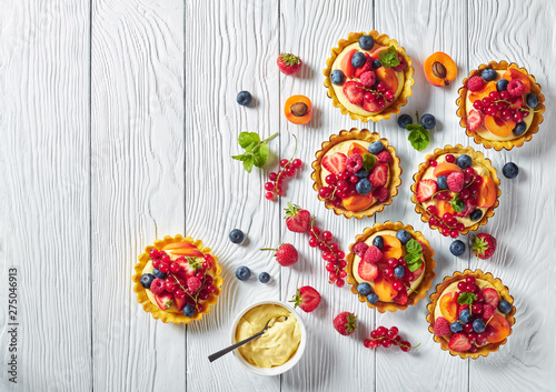 Fototapeta sweet french dessert - tarts with berry and fruit