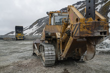 Powerful Quarry Bulldozer And ...