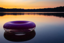 Purple Inflatable Swimming Rin...