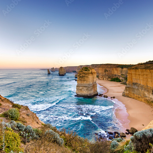 Foto  Twelve Apostles Victoria Australia at Sunrise