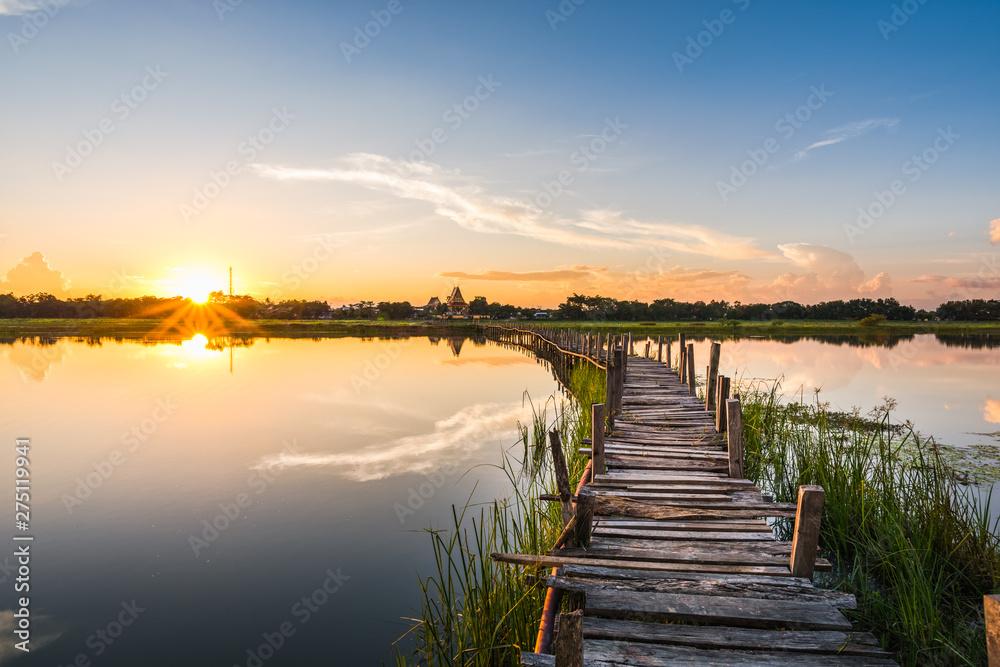 Fototapety, obrazy: Wood bridge