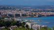 Küste und Strände in Antibes, Altstadt, Meer leuchtet blau, Boote