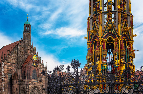 Crédence de cuisine en verre imprimé Con. Antique Beautiful Fountain in Nuremberg, Germany