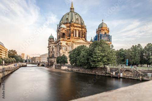 Poster Berlijn Berliner dom in the evening, Berlin