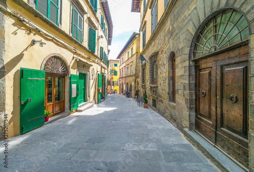 Foto op Plexiglas Caraïben Cortona (Italy) - The awesome historical center of the medieval and renaissance city on the hill, Tuscany region, province of Arezzo, during the spring