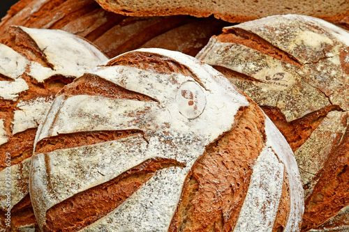 Montage in der Fensternische Brot Villarceaux, France - june 9 2019 : organic bread