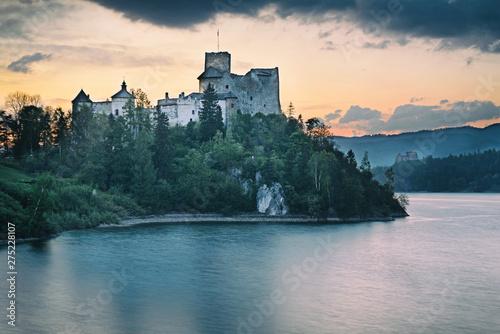 Fototapeta Zamek w Niedzicy. obraz na płótnie