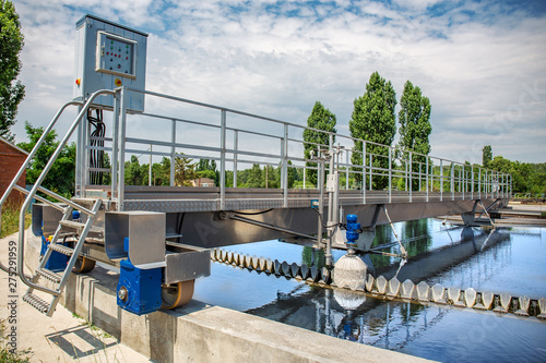 Cuadros en Lienzo Modern wastewater treatment plant with round ponds for recycle dirty sewage wate