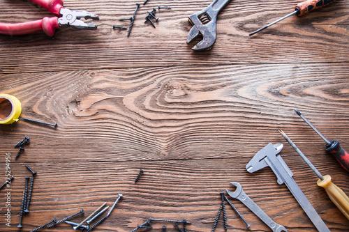 Cuadros en Lienzo  tools male workplace background texture dark wood