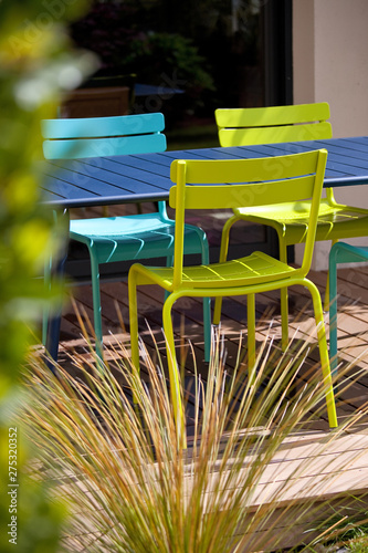 Salon de jardin sur terrasse bois - Buy this stock photo and explore ...