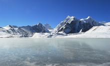 Beautiful Frozen Gurudongmar Lake ,main Tourist Attraction Of Gangtok,Sikkim,india