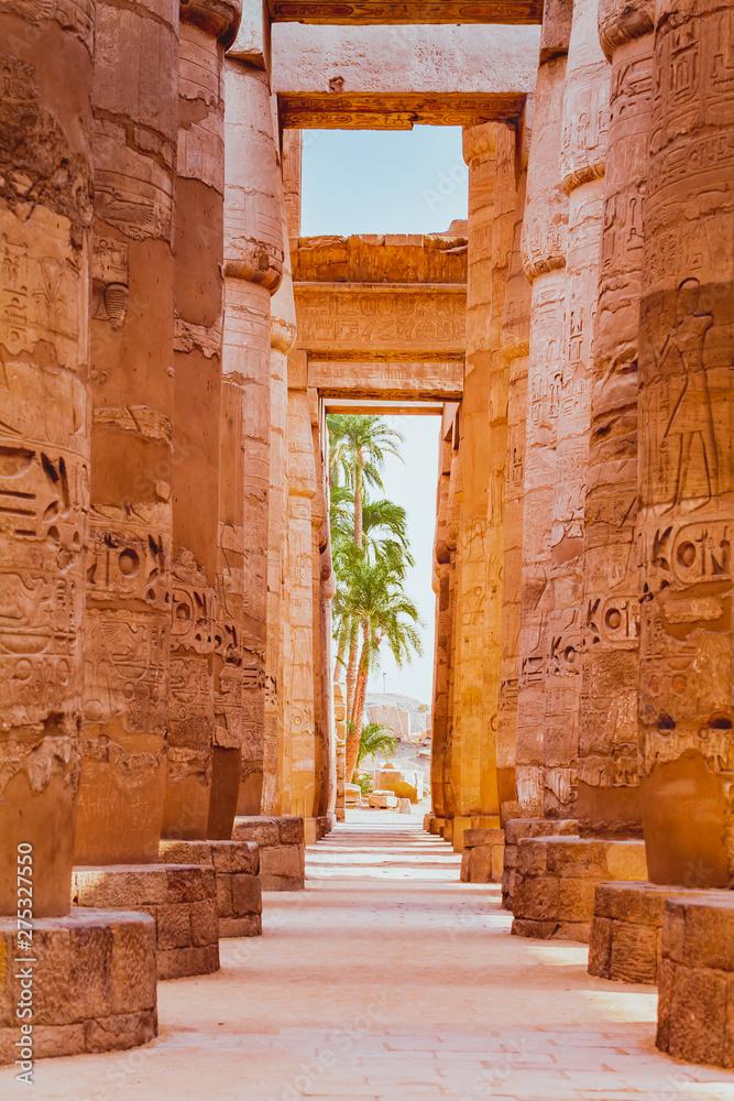 Fototapeta Statues and columns inside the temple of Luxor, Egypt