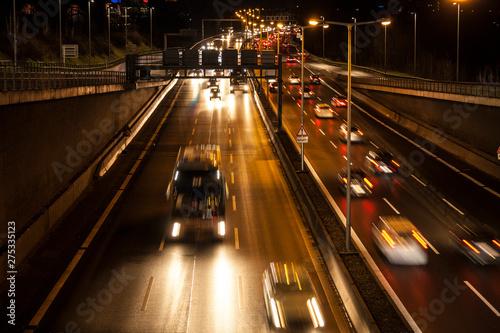 Photo  Autobahn am Abend