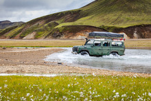 4WD Car Wades River, Iceland