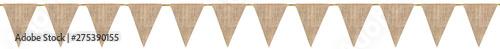Obraz guirlande de fanions en toile de jute, fond blanc  - fototapety do salonu