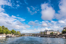 France, 1st And 7th Arrondissement Of Paris, Passerelle Senghor Over The Seine River Between Quai Des Tuileries And Quai Anatole France (musee D'Orsay And Musee De La Legion D'Honneur)