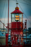 Rotes Leuchtfeuer - Leuchtturm im Hamburger Hafen