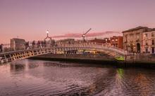 Republic Of Ireland, Dublin, Liffey Bridge, Wrought Iron Bridge For Pedestrians (1816) Leading To  The Temple Bar District