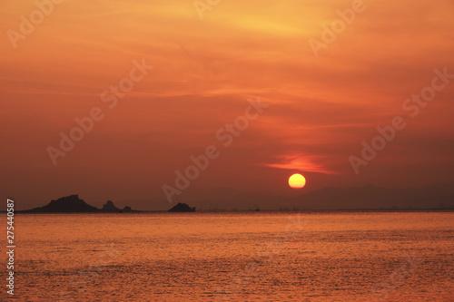 Poster Corail 夏を迎える天草の日の出