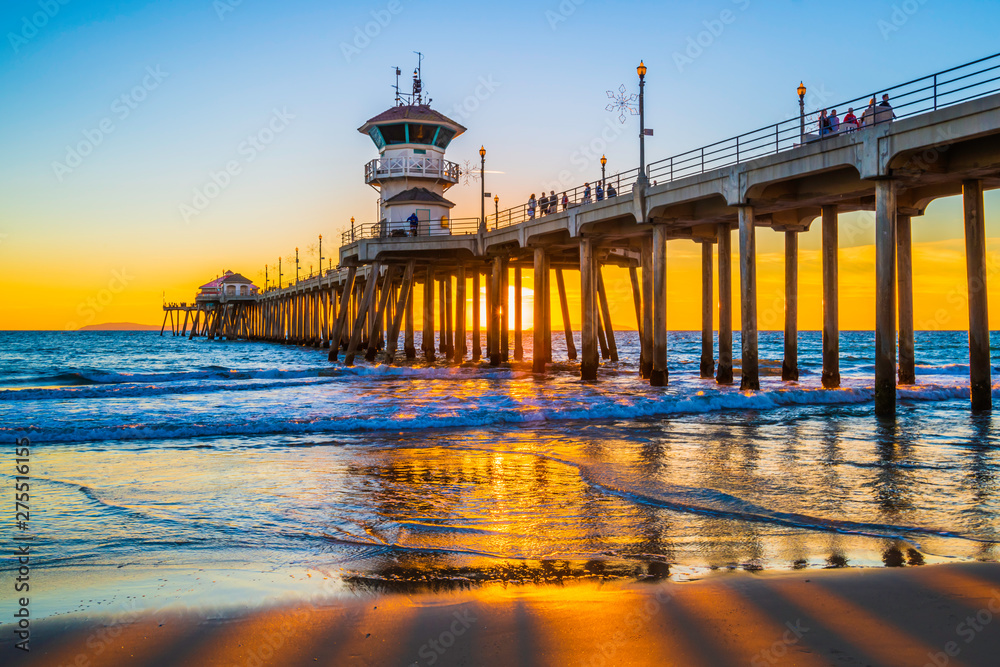 Fototapeta Huntington Beach Pier At Sunset