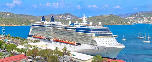 Fotografia  Cruise ship docked near Saint Thomas Island on a Caribbean Vacation cruise