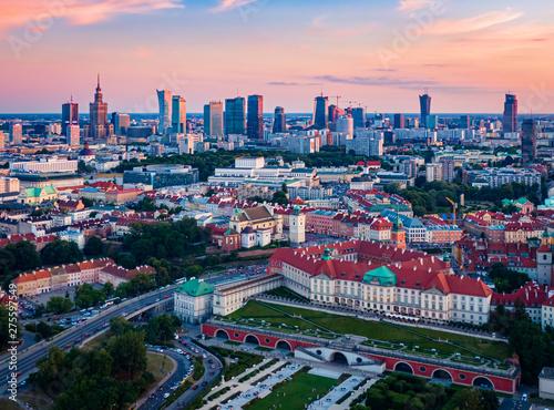 Obraz Panorama Warszawy po zachodzie słońca - fototapety do salonu