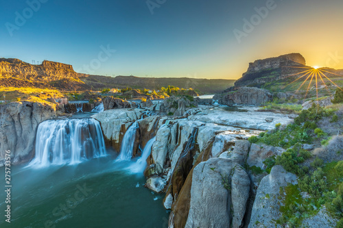 Obraz Sunrise on Shoshone Falls - fototapety do salonu