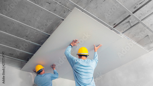 Photo Ceiling installation with acoustic panels With professional technicians