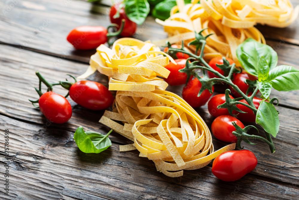 Fototapety, obrazy: Traditional italian pasta fettuccine