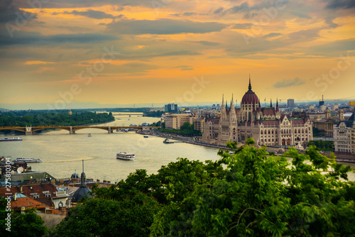 Foto auf Leinwand Budapest Budapest, Hungary: Beautiful landscape on the Parliament building, bridge and the Danube river.